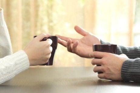 Med förbättrat kroppsspråk kan du öka ditt självförtroende