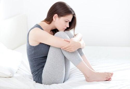 Vad orsakar oregelbundna vaginala blödningar?