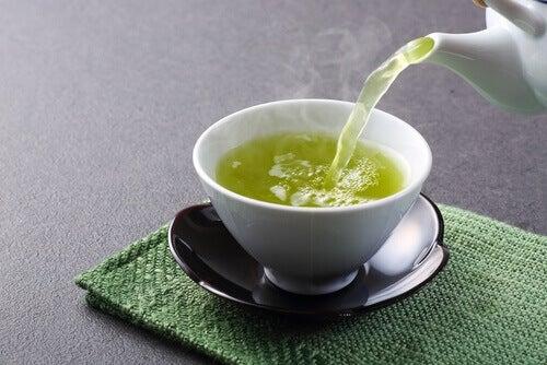 Grönt te är nyttigt på många sätt