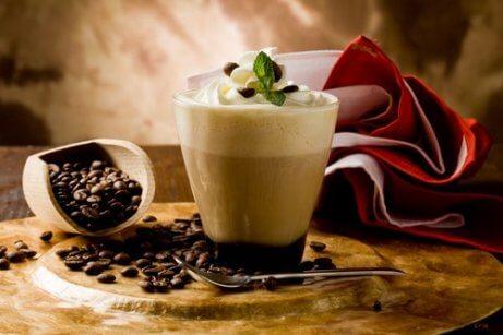 Drick inte ohälsosamma kaffedrycker.