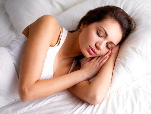 Kvinna som sover