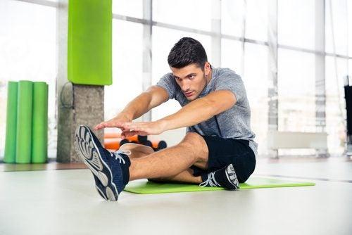 Man som tränar