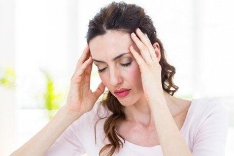 Migrän kan komma av att man dricker för lite vatten.