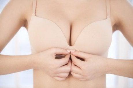 Brösthälsa: är det normalt att ha knottror på vårtgårdarna?