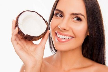 Kokosolja främjar munhälsan