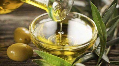 Olivolja kontrollerar kolesterol
