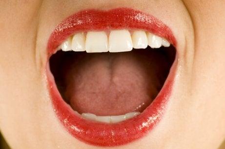 Väteperoxid mot sår på tungan