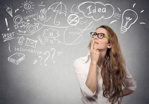kvinna med drömmar och ideer