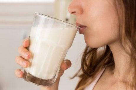 ett glas havremjölk