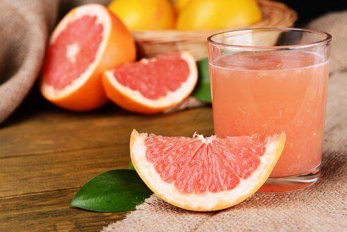 Grapefruktjuice i glas