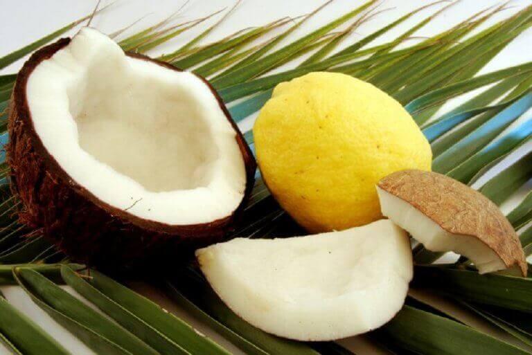 Använd kokosnöt mot håravfall