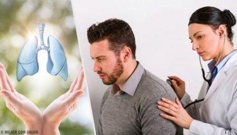lungcancer symptom ont i ryggen