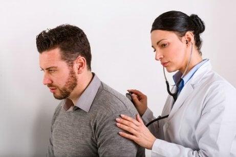Det finns många olika symptom på lungcancer.