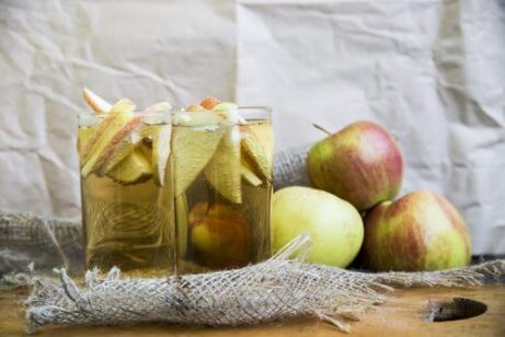 Äppelcidervinäger för bursit