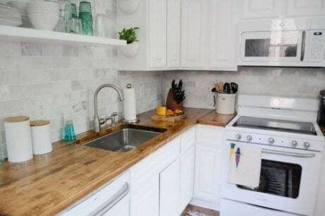 4 perfekta inredningstips för små kök