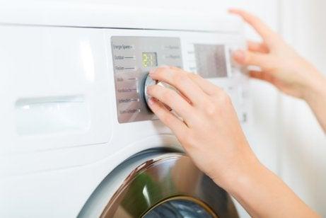 Tvätta kläderna varmt