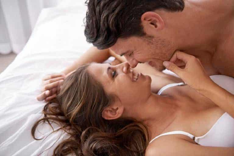 Hur man stimulerar en kvinnas bröstvårtor