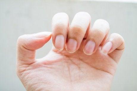 Smutsiga naglar