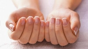 Är dina naglar sköra?