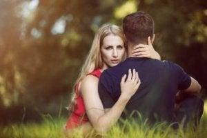Att manipulera relationen