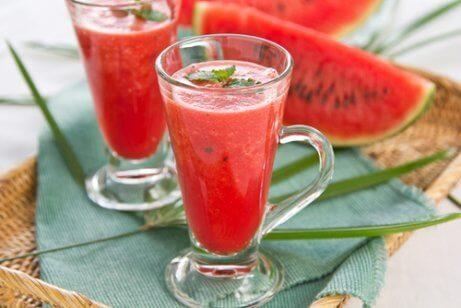 Smoothie med jordgubb och melon