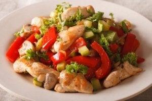 Wokad kyckling och grönsaker