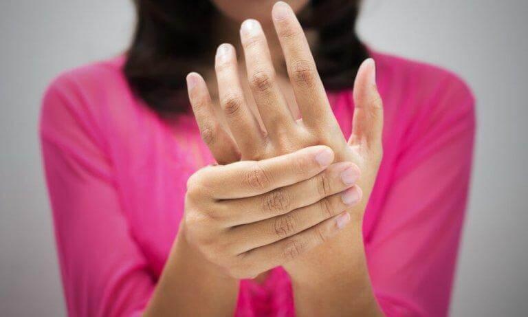 Inflammation eller kalla händer kan bero på dålig blodcirkulation