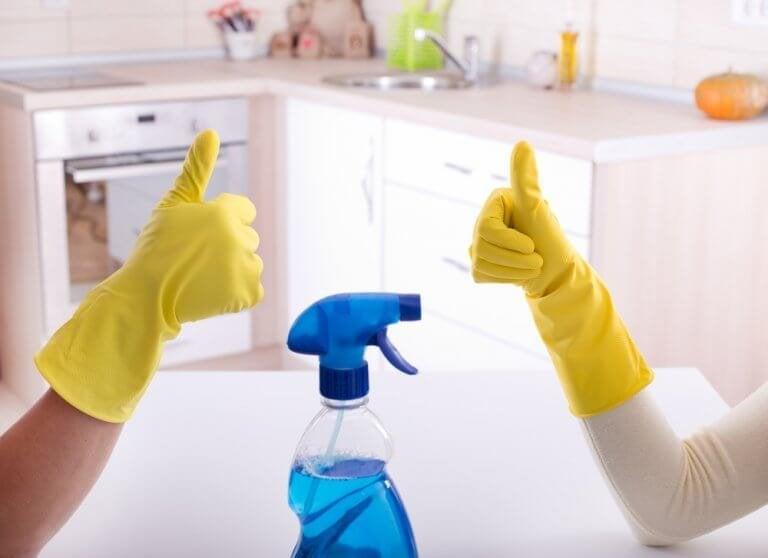 Det bästa sättet att desinficera ditt badrum
