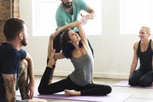 Bli smalare snabbt med yogaställningar