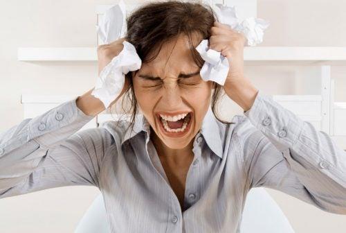 Stressad-kvinna
