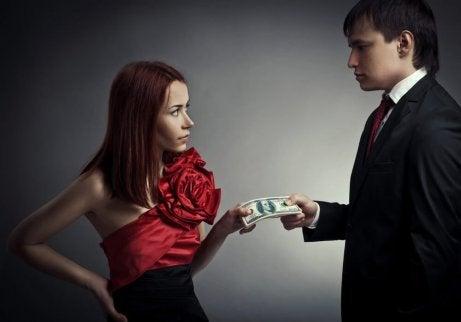 30-årig kvinna som dejtar 18 år gammal man