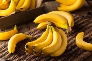 Bananer underlättar viktnedgång