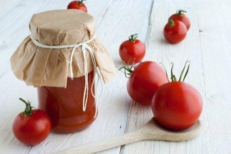 Blanda tomat och majsmjöl