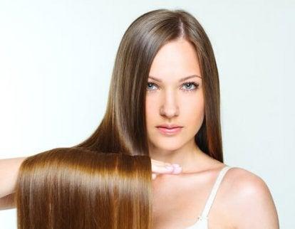 Glänsande hår