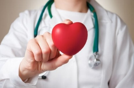 Män och kvinnor upplever en hjärtinfarkt annorlunda