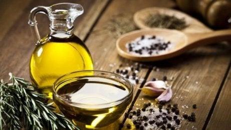 Olivolja tar bort orenheter