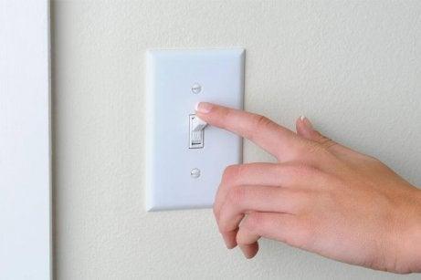 Rengör lampknappar regelbundet