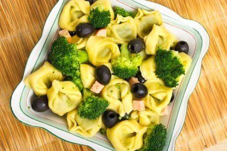 Sallad med broccoli