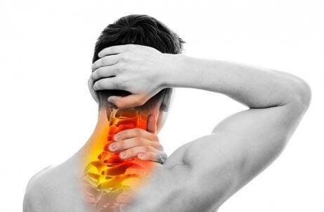Stärk nackmusklerna med den här effektiva träningsrutinen