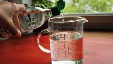 Vatten och vinäger