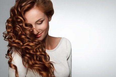 lockigt-hår-mår-bra-av-c-vitamin
