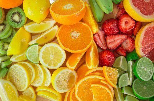 Citrusfrukter och jordgubbar