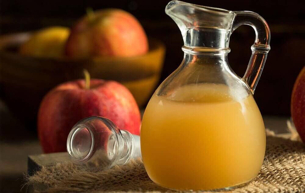 Karaff med äppelcidervinäger
