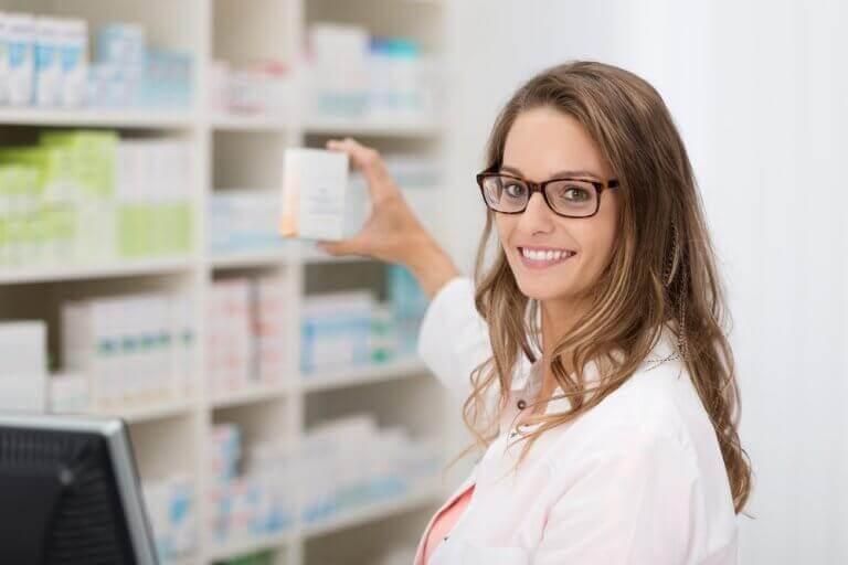 Kvinna i apotek