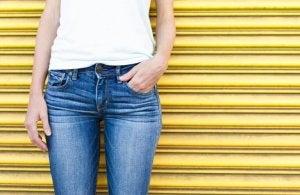 Åtsittande jeans