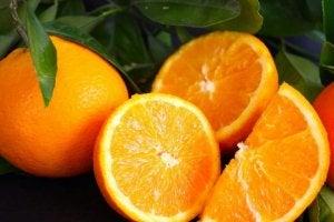 Färska apelsiner