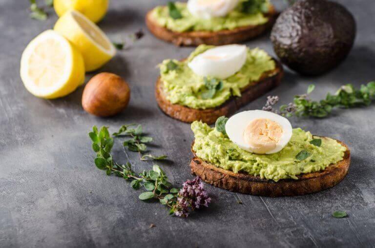 Krämig toast med avokado