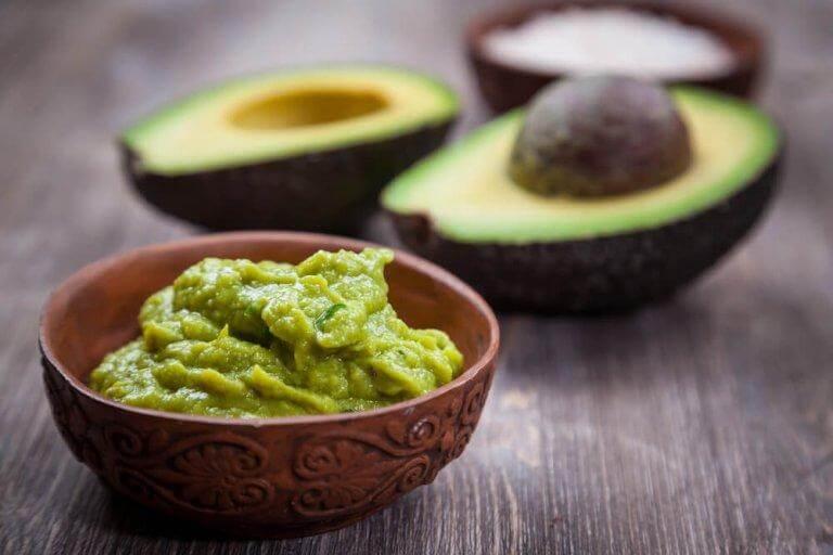 Det finns många olika, lokala recept på guacamole