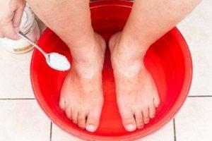 Fotbad med bikarbonat