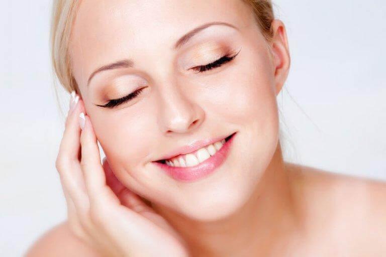 Dessa steg för makeup för nybörjare är en bra grund att börja med
